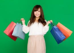 提着购物袋的美女图片(9