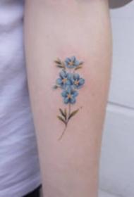 女生小臂小清新的9款花朵纹身图案