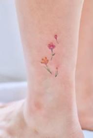 一组女生小清新感的脚踝彩色纹身图案