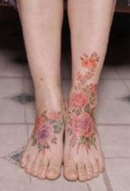 小清新女生纹身 小清新感觉适合女生的9款花卉纹身图片