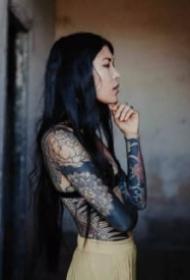 美女花臂图 9款女生的大花臂纹身图片欣赏