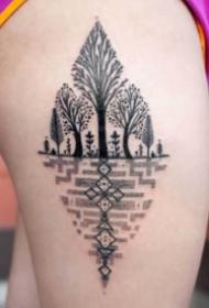 树纹身 黑色的9款好看的树纹身图案作品