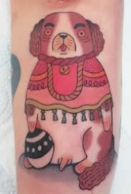 法国纹身师Rion的纹身作品充满了抽象设计和诙谐幽默
