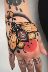 手背刺青 纹在手背上的9款个性纹身图片