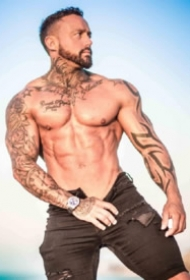 纹身肌肉猛男GJ Aesthetics的纹身帅哥写真照片