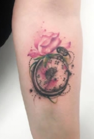 9款好看的胳膊上的怀表纹身图案