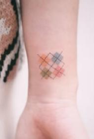 小清新格子主题的9款格子纹身图案