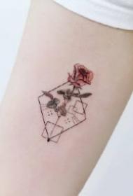 微缩版的几何小清新水彩纹身图片