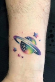星球纹身 小清新的9款星球主题的纹身图案作品