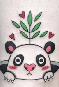 很可爱的一组熊猫主题小纹身图案