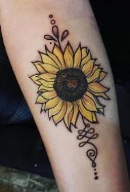 太阳花向日葵主题的黑灰纹身作品图片赏析