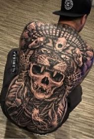 霸气的9款欧美大满背纹身作品图片