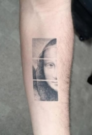 名画蒙娜丽莎的一组创意纹身图片