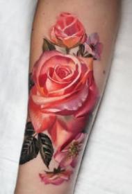 包臂包腿艳丽的16款红玫瑰纹身图案