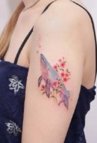 小鲸鱼纹身 小清新的9款彩色鲸鱼纹身图片
