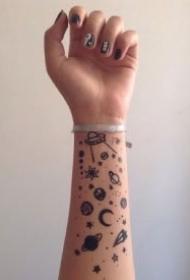 包小臂的一组星空纹身作品图欣赏
