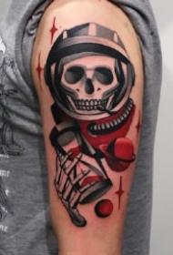 简单的红与黑配色的创意纹身赏析