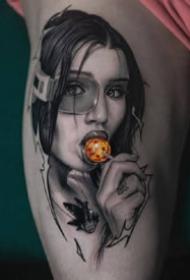 一组写实风格的美女纹身图案