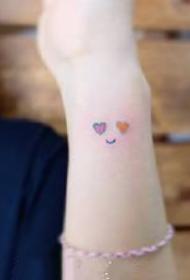 一组彩色小清新纹身图案