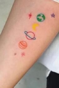一组可爱到爆彩色小纹身图案