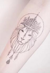 一组线条清新风格纹身图案