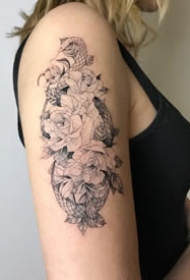 一组蛇和花纹身图案欣赏