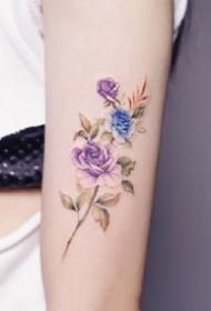 一组好看的小清新花卉纹身图案