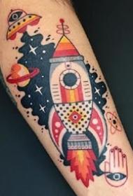 一组可爱彩色搞怪创意纹身图案
