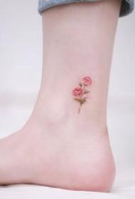 一组脚踝彩色纹身图案欣