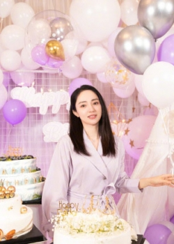 董璇淡紫长裙柔美可爱美照图片