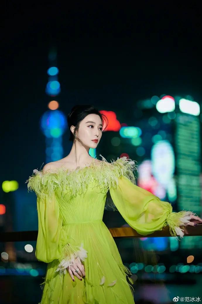 范冰冰奶绿公主裙漂亮写真