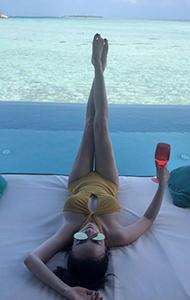 张檬性感海边度假照 穿比基尼大秀火辣身材