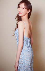 唐嫣蓝色镂空裸背裙图片 破尺度秀性感又甜美