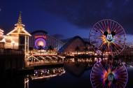 美国迪斯尼乐园梦幻夜景图片(21张)
