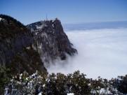 四川峨眉山万佛顶雪景图片(16张)