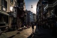 欧洲小城的一处街道图片(12张)