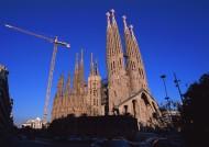 西班牙圣家大教堂图片(8张)