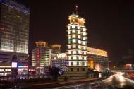 郑州二七双塔图片(7张)