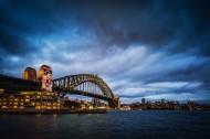 夜幕下的悉尼港口大桥图片(7张)