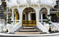 泰国清莱白龙寺建筑风景图片(13张)