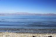 新疆赛里木湖风景图片(6张)
