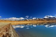 西藏拉昂错湖风景图片(8张)