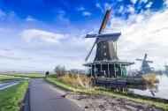 荷兰桑斯安斯的风车风景图片(19张)