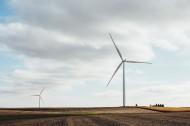 风力发电的风车图片(13张)