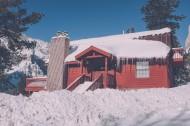 被雪覆盖的小屋图片(14张)