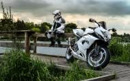 铃木经典摩托车图片(10张)