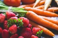 水果和蔬菜搭配在一起的图片(15张)