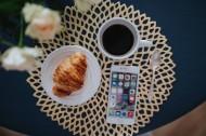 圆形餐桌上的早餐图片(10张)