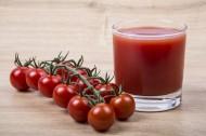 新鲜有机番茄和番茄汁图片(19张)