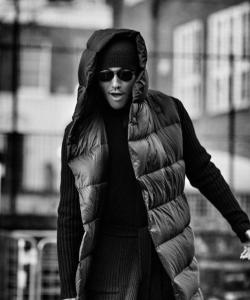 胡兵伦敦黑白风格帅气街拍写真图片